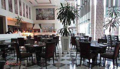 New Town Cafe - Park Plaza Noida
