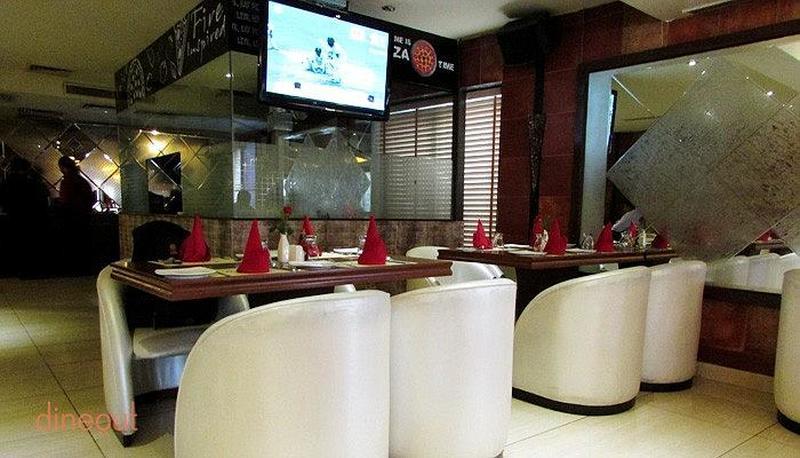 Cafe Rendezvous Malviya Nagar