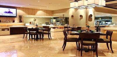 24/7 Restaurant - The LaLit New Delhi