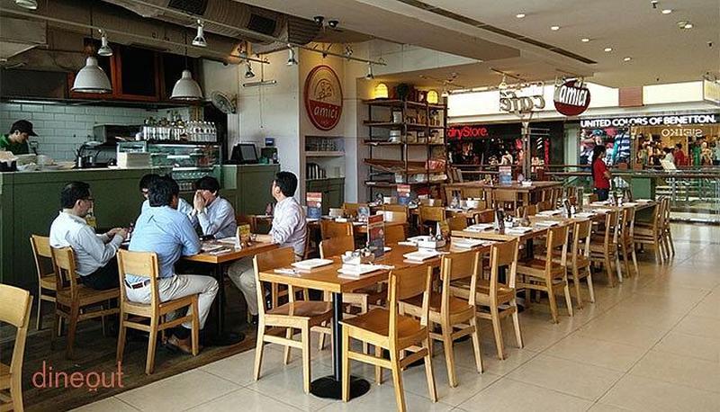 Amici Cafe Saket
