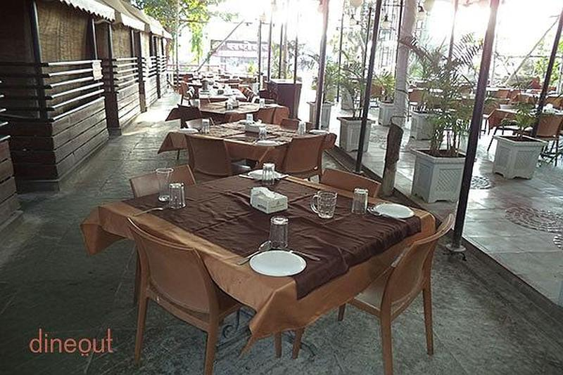 Hotel Sarovar Garden Family Restaurant & Bar Balewadi