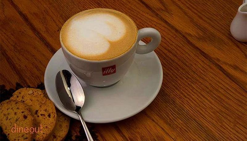 Amici Cafe Vasant Kunj